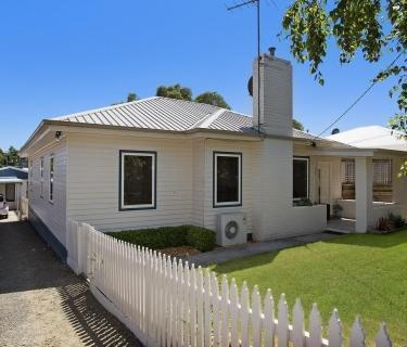 Awesome Family Home with Self Contained Bungalow