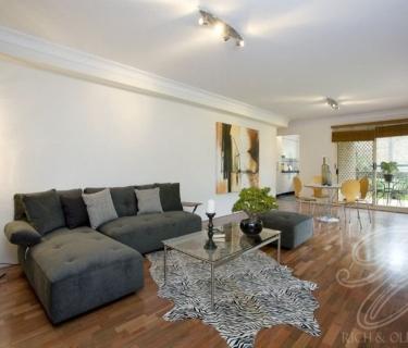 Sleek Modern 2 Bedroom Apartment!