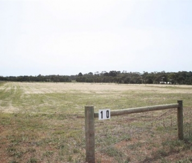 APPROX 2.2 ACRES - PERFECT LIFESTYLE BLOCK