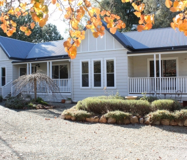 RIVERGUM HOME IN OASIS SETTING
