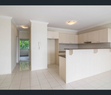 Modern Two Bedroom Apartment with Double Glazed Windows!!!
