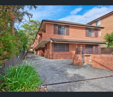 Three bedroom 2 Storey townhouse located in Westmead