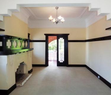 Private & Secure 2 Bedroom, 1 Bathroom Heritage listed Unit
