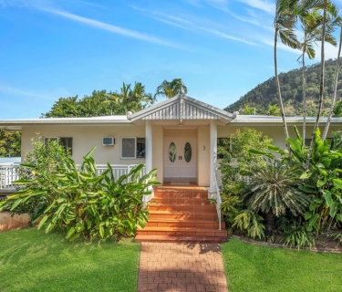 Huge Home - Desirable Address - Be Quick!