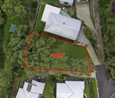 In Demand - Elevated Large Vacant Parcel - Prestigious Address