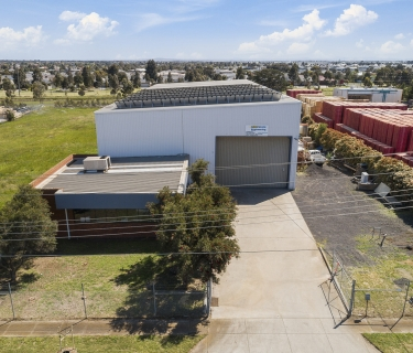 LOCATION! 3485m2! Warehouse + Office+ More!