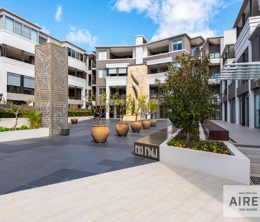 Large and modern three bedroom two bathroom apartment in the heart of Claremont