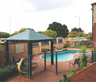 3 bedroom unfurnished apartment close to everything