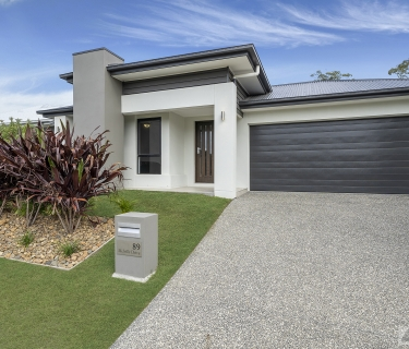 MOVE IN AND ENJOY THIS BEAUTIFUL FAMILY HOME