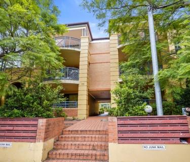 Top floor apartment offering unbeatable convenience