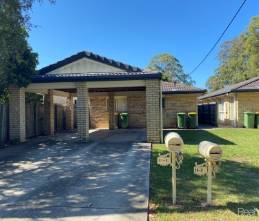 3 BEDROOM UNIT - LAWN MAINTENANCE INCLUDED!
