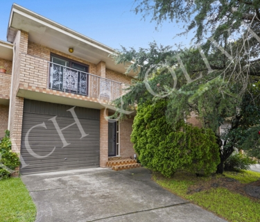 Spacious four bedroom townhouse