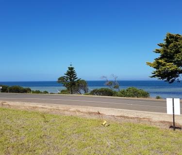 Rare esplanade with views and more views