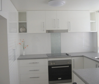 WANT THIS LIFE?   CURRUMBIN ALLEY SURF BEACH IS JUST MINUTES AWAY FROM THIS BEAUTIFULLY 3 BDM TOWNHOUSE IN SMALL BLOCK OF 4