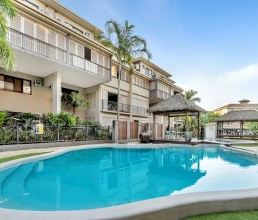 City Fringe - Luxury Apartment Complex - Resort Style Living