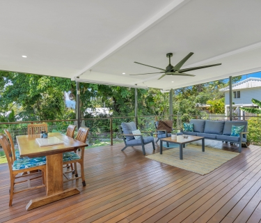 Rare Find Professionally Renovated Queenslander, Whitfield