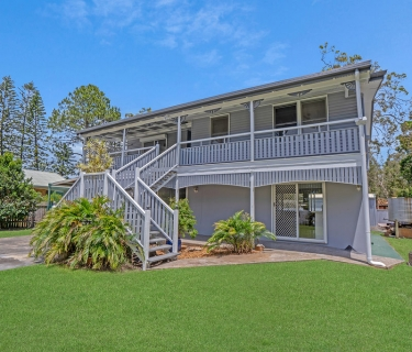 RENOVATED QUEENSLANDER- DUAL LIVING OPPORTUNITY