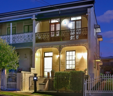 FULLY FURNISHED CHARMING TERRACE HOME