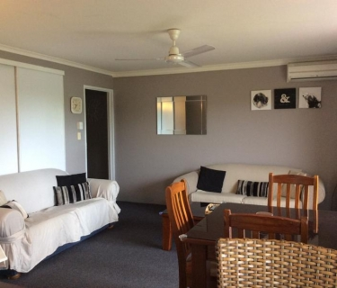 Esplanade Unit - Fully Furnished & Air conditioned