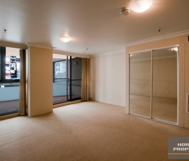 Live Comfortably In The Heart Of The Sydney CBD!