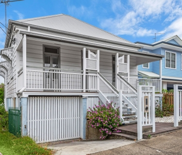 BEAUTIFULLY RENOVATED QUEENSLANDER