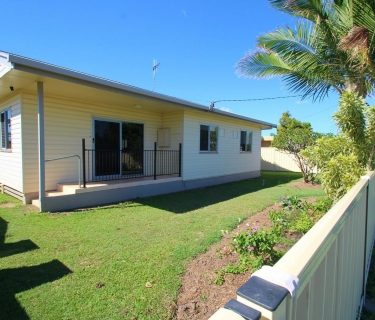Very Neat & Tidy Home in Avenell Heights!
