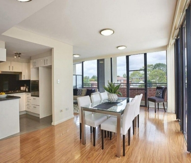 Top Floor Penthouse with Panoramic Views