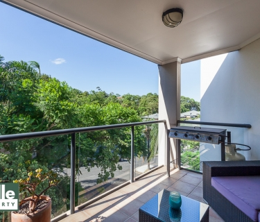 AIR-CONDITIONED TWO BEDROOM APARTMENT