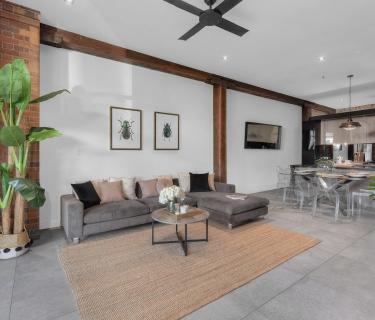 Luxury courtyard Woolstore aparment