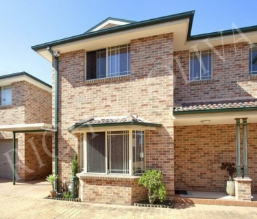 Modern Three Bedroom Townhouse - INSPECT SATURDAY 27/04 AT 2:30PM