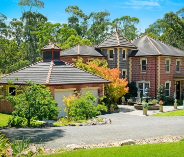 A GLORIOUS, HANDCRAFTED MASTERPIECE IN AN EXCLUSIVE ENCLAVE OF BOWRAL