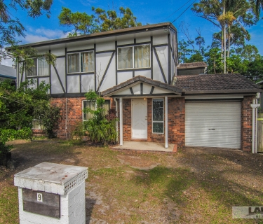 Old Charm in Coomera Waters