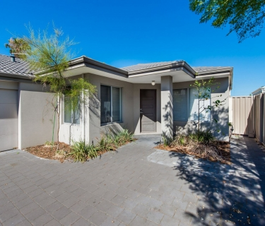 Modern airconditioned four bed two bath home