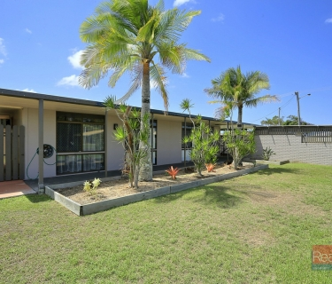 PET FRIENDLY Home, Double Garage + In-ground Pool!!!
