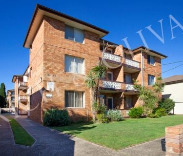 Freshly Renovated Bright & Modern Two Bedroom Apartment - INSPECT SATURDAY 25/05 AT 2PM