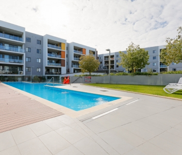 Modern 2 bedroom 2 bathroom apartment in secure complex