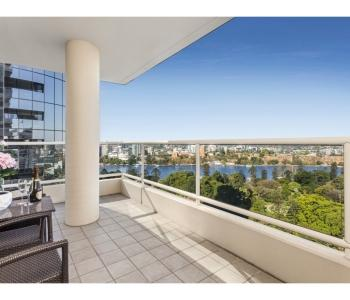 Prime Position Overlooking the Brisbane River and Botanical Gardens