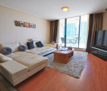 Elegant and Spacious High Level Apartment with North Facing Aspect