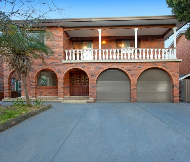 Solid & Spacious Two Storey Residence On 701 Sqm Approx