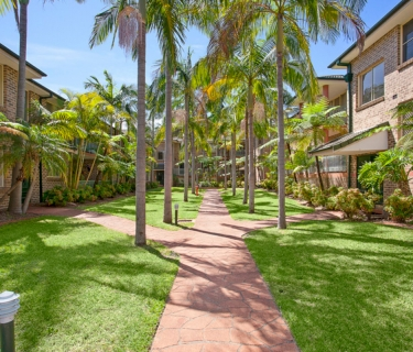 A Famed Resort Style Complex Boasting Exceptional Space!