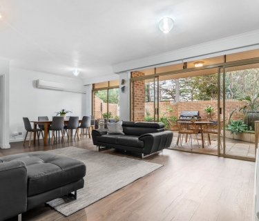 'Kooyong' Garden Apartment With 226sqm On Title