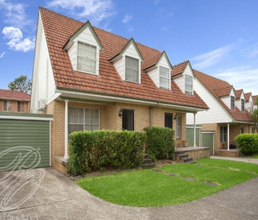 Bright & Spacious Townhouse! - INSPECT SATURDAY 21/09 AT 12 NOON