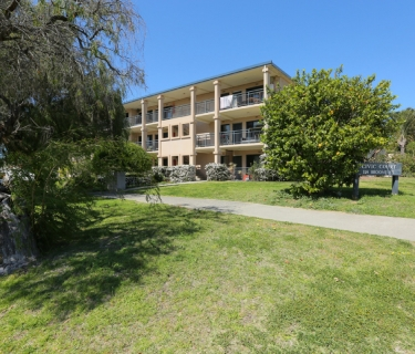 Cottesloe beach and sunset - down the road! Beautiful furnished or unfurnished apartment for rent!