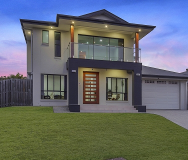 EYE-CATCHING PROPERTY WITH PICTURESQUE VIEWS