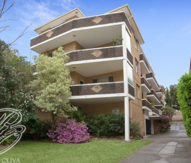 Modern Two Bedroom Apartment! - INSPECT SATURDAY 21/09 AT 11:45AM