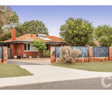 Family Home with Aircon /Solar HWS & a Large Rear Garden