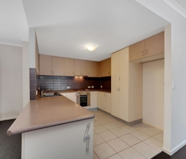 Dream Opportunity - Gorgeous 3 Bedroom/2 Bathroom Unit