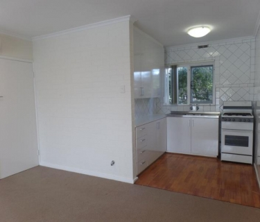2 Bed, 1 Bath Unit in the Heart of Claremont