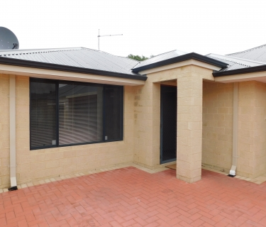 Brilliantly Located + Superbly Low Maintenance