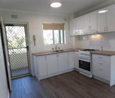Stunning & Renovated - 2 x 1 apartment !!!!